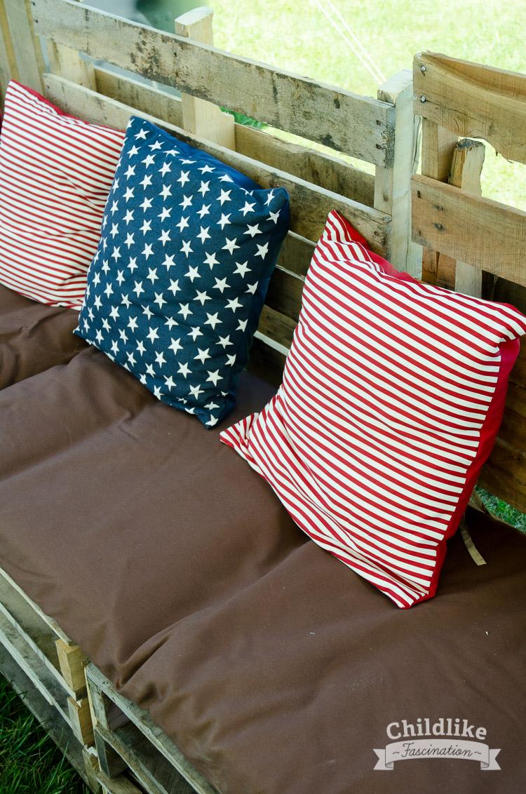 Patriotic Pallet Bench