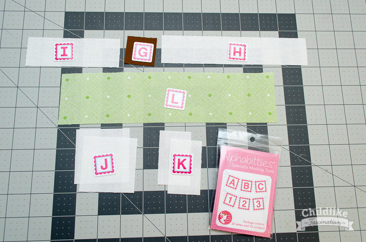 Pieces for the sailboat quilt block hull
