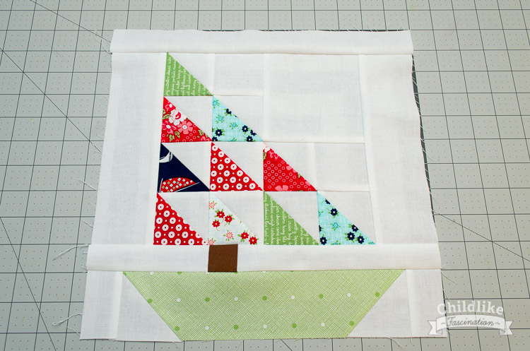 """Free Tutorial for this 12"""" (finished) Sail Boat Quilt Block!"""